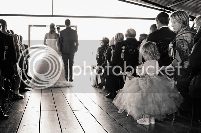 http://i892.photobucket.com/albums/ac125/lovemademedoit/PARRY_Ceremony_224.jpg?t=1319741499