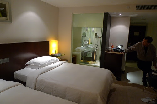 It's a nice hotel room (Pavillion Shenzhen)