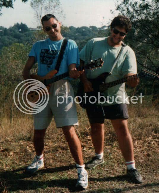FELICES AÑOS 90....ROCK EN EL CAMPO...EL GARRY Y EL RAULITO....