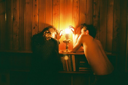 LE LOVE BLOG LOVE PHOTO pic image COUPLE LAMP LIGHT . by neon.tambourine, on Flickr