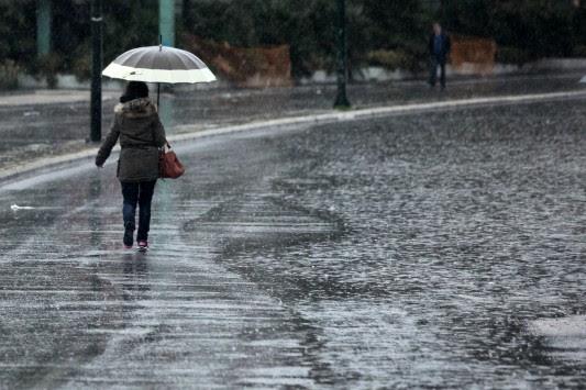 Συννεφιασμένη Κυριακή με βροχές και καταιγίδες - Αναλυτική πρόγνωση