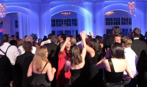 How Much Does a Wedding DJ Cost?   Murray Hill Talent