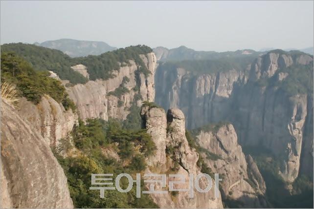 장가계와 태항산의 비경을 합쳐 놓은 '신선거(神仙居)'