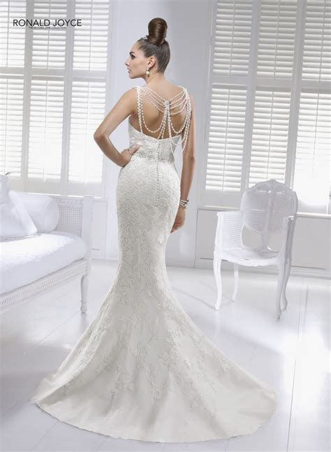 1000  images about Wedding dresses on Pinterest   Fishtail