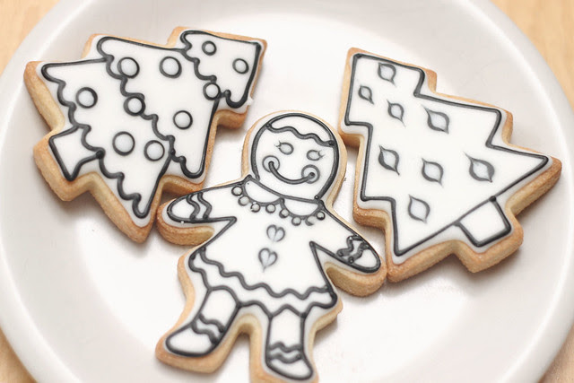 color-your-own-cookies