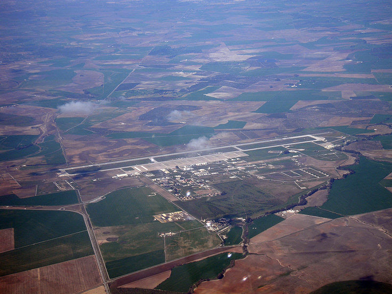 File:Base Aérea de Morón (OZP, LEMO) 20090216 1341.JPG