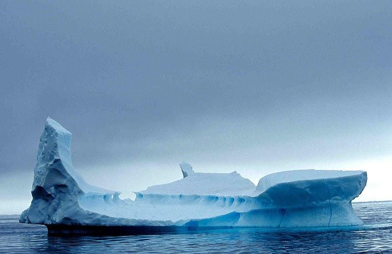 File:Iceberg 10 2001 07 23.jpg