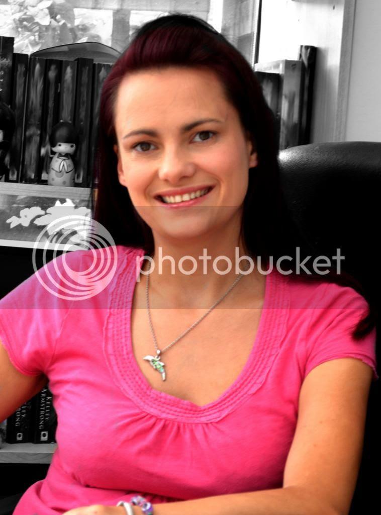 Emma Mills photo EmmaBioProfilesml.jpeg