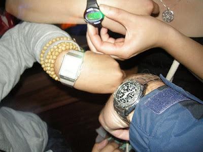synchronize watches