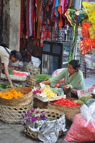 ubud market scene 10