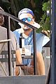 leonardo dicaprio grabs lunch with friends in beverly hills02