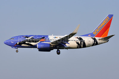 Southwest Airlines Boeing 737-7H4 WL N280WN (msn 32533) (Penguin One) BWI (Tony Storck). Image: 913013.