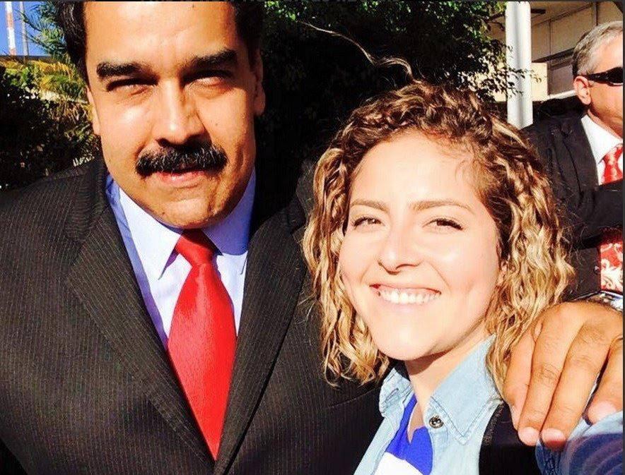 Carine Vitral, presidente da UNE, com o ditador Nicolás Maduro, da Venezuela