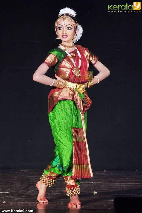 Susan Solomon Thomas Bharatanatyam Performance Photos