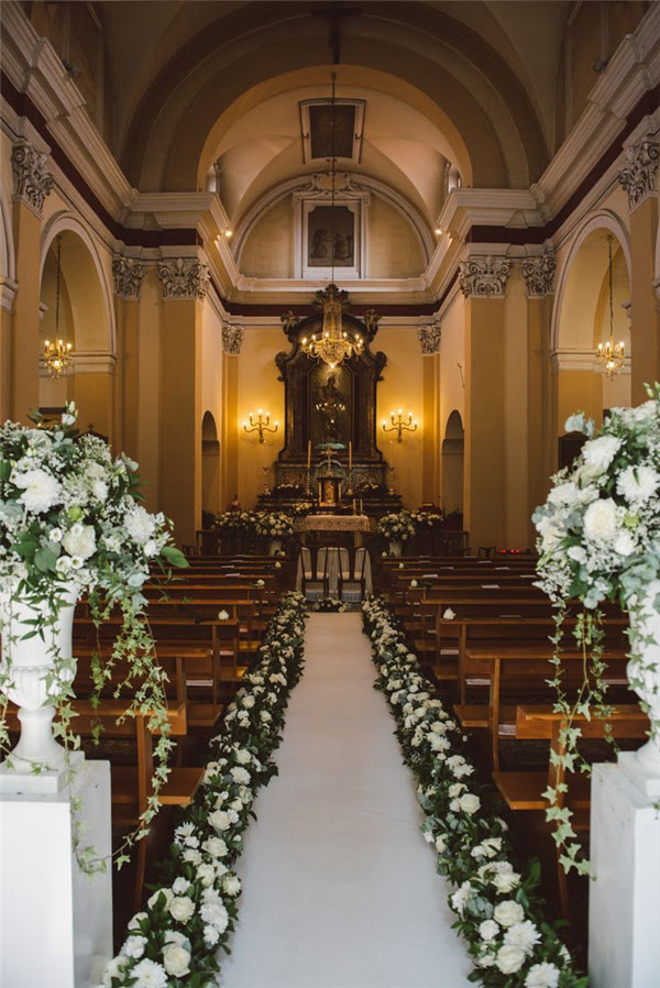 34 Breathtaking Church Wedding Decorations Mrs To Be