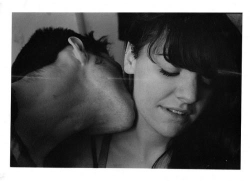 classycouples:  Matt & Katie - neck by Ninon C on Flickr.