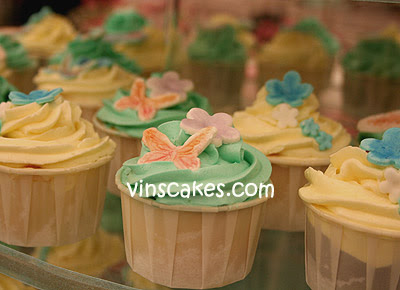 Tiffany blue wedding cupcake