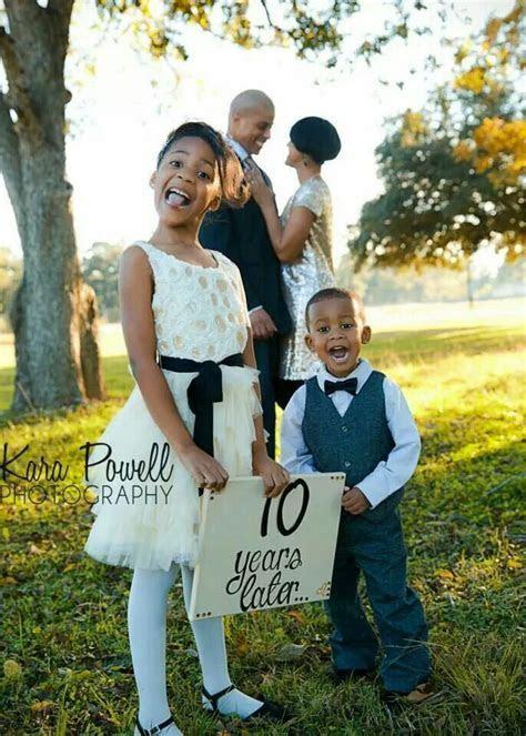10 Year Anniversary Family Photo   Family Portrait Ideas