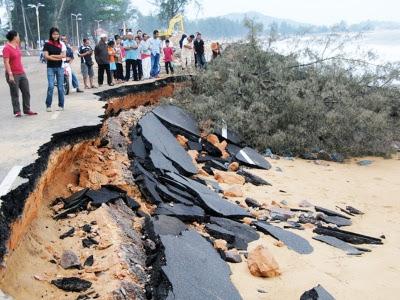 HsCPk Kejadian Ombak Besar Di Dungun, Terengganu Disember 2011
