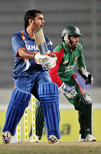 dhoni_shout Watch Bangladesh Vs India 3rd ODI Result,Photo & Video Highlights