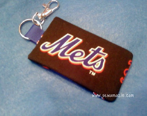 Mets keychain/card holder
