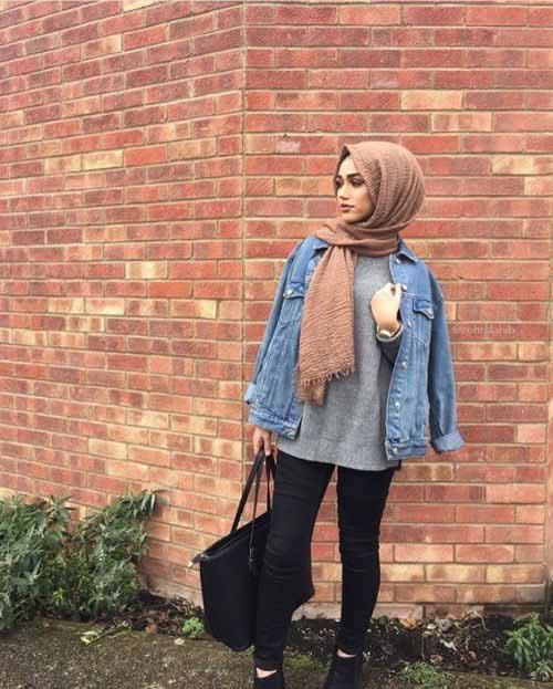 Teen hijabi girl's s