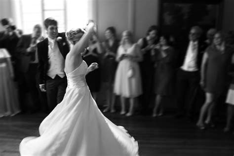Top 5 Bride & Groom First Dance Songs of 2015 ? Ben