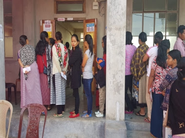 Voters in queue in Shella, Meghalaya for the Shella constituency bypoll. Kyrmenlang Uriah/101Reporters