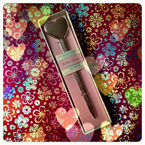 Bought 3 of these, 1 for me, a friend and for a swap. I've always wanted one #letteropener #letter #snailmail