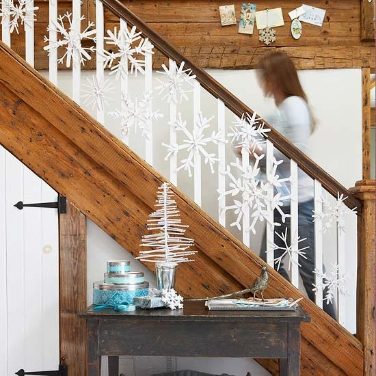 71 Awesome Christmas Stairs Decoration Ideas - 8 - Pelfind