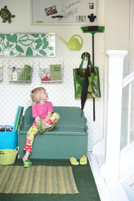 I have big plans for a painted bench just like this one in our entryway…
