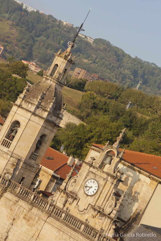 Torre y reloj de la Iglesia de San Nicolás