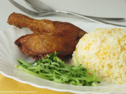 Nasi Ayam Kampung goreng (Deep fried Chicken and rice)