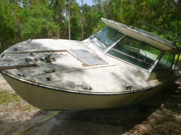 Free 22 foot boat with cuddy cabin (South Fort Myers FL) - Free-Boat
