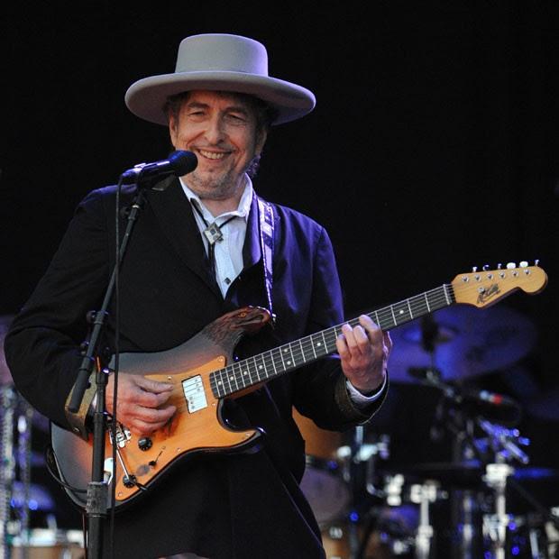 O cantor e compositor Bob Dylan, durante show no festival Vieilles Charrues em Carhaix-Plouguer, no oeste da França, em julho de 2012 (Foto: Fred Tanneau/AFP/Arquivo)