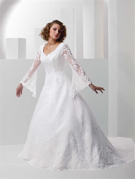 Elegant Long Sleeve Wedding Dresses   Aelida