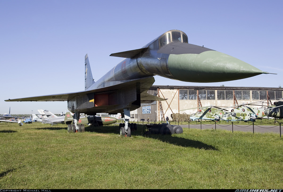 Sukhoi T-4 Sotka aircraft picture