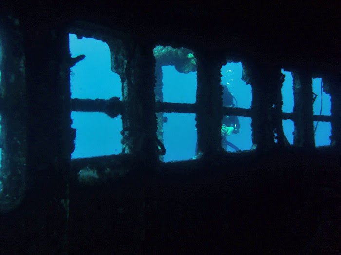 scuba diving oahu 059