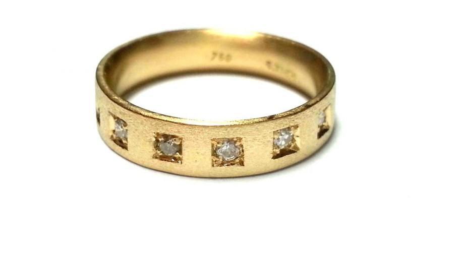 Resultado de imagen para eternity gold rings