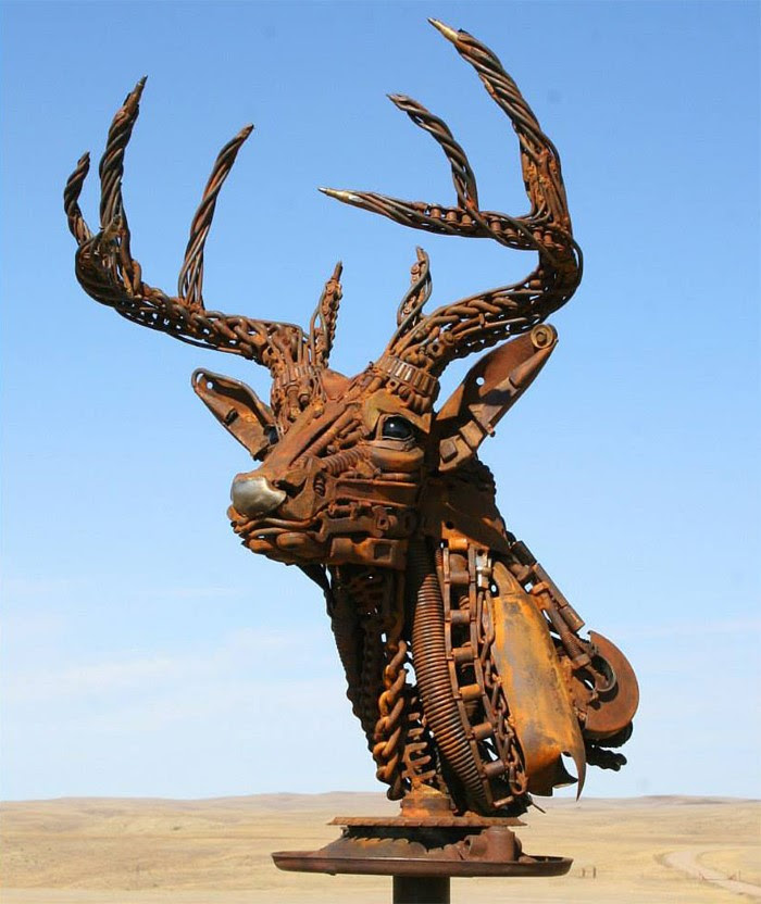 What This Guy Does With Scrap Metal is Just STUNNING ...