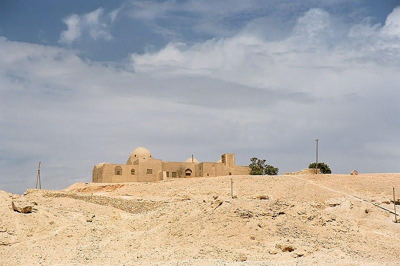 File:Luxor, West Bank, Stoppelaere House, Egypt, Oct 2004.jpg