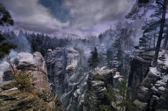 This is not an ingame screenshot of Skyrim. It's a photo.