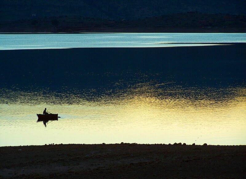 Barque sur le lac de Bin el Ouidane