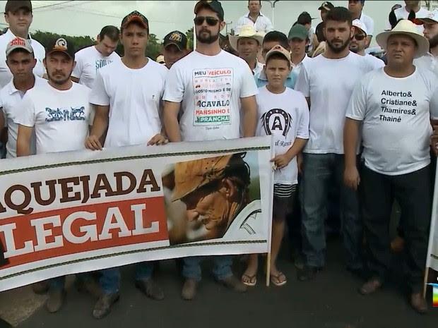 Vaqueiros do Maranhão protestam em frente a Assembleia Legislativa, em São Luís (Foto: Reprodução / TV Mirante)