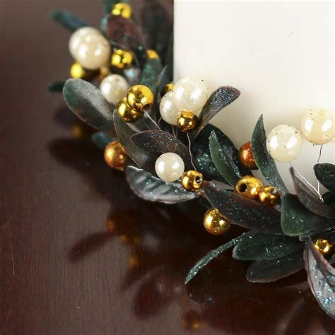 Holiday Artificial Leaf and Berry Pearl Candle Ring