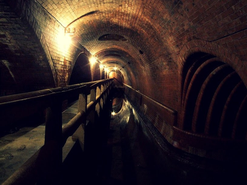 Sieci kanalizacyjne w ogromnym stopniu przyczyniły się do poprawy jakości życia ludzi żyjących w XIX wieku /materiały prasowe