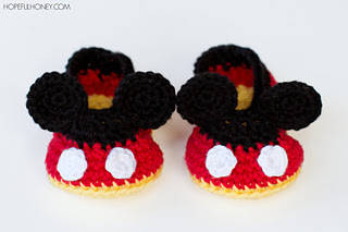 Mickey_mouse_inspired_baby_booties_crochet_pattern_4_small2
