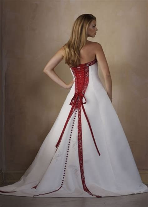 Why Corset Wedding Dresses ? Sang Maestro