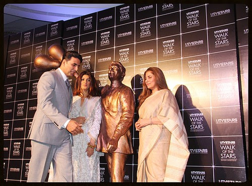 """Babu moshai, mere fans mujhse koi nahi cheen sakta""...Unveiling Of Mr Rajesh Khannas Statue At Taj Lands End by firoze shakir photographerno1"