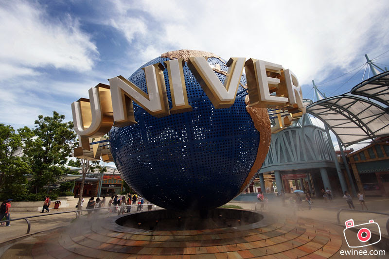 GOING-INTO-UNIVERSAL-STUDIOS-SINGAPORE-globe